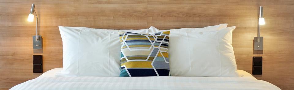 courtyard by marriott dresden geschenkgutscheine. Black Bedroom Furniture Sets. Home Design Ideas